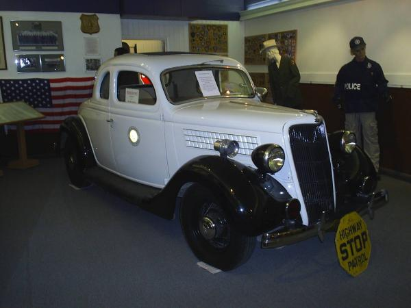 1930s: 1930's vehicle